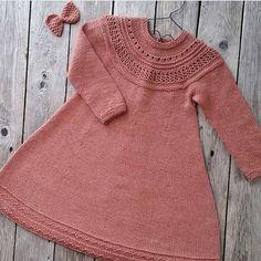 Barndomskjolen • oppskrift ministrikk/strikk til mamma og mini | strikket av @frokenstrikkepinne
