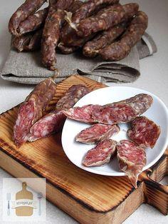 – Suszone domowe wędliny d – DoradcaSmaku. Pork Recipes, Cooking Recipes, Healthy Recipes, Bacon Sausage, Good Food, Yummy Food, Czech Recipes, Food 52, Nutritious Meals