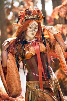 Such a beautiful Autumn witch LARP costume! - 9 Autumn Cosplays