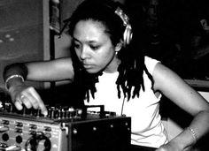 Kemistry (Kemistry & Storm 90's Drum'nBass DJ)