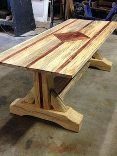 Fine Wood Table Designs Look around as you move throughout your day. You see examples of man's mastery of woodworking everywhere. From mailbox posts to pieces of furniture and art to full buildings, the power to use wood to create is Woodworking Furniture Plans, Log Furniture, Furniture Projects, Wood Projects, Furniture Removal, Rustic Table, Wooden Tables, Farmhouse Table Plans, Wood Table Design