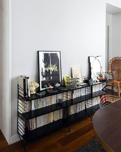 Home Living Room, Apartment Living, Living Spaces, Bookshelf Inspiration, Interior Inspiration, French Apartment, Teak Furniture, Home Accessories, Home Goods