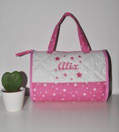 sac balade étoile,danse,vanity enfant bébé rose personnalisé brodé : Autres sacs par lbm-creation