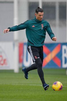 Cristiano Ronaldo Cr7, Cristiano Ronaldo Portugal, Cristino Ronaldo, Cristiano Ronaldo Wallpapers, Ronaldo Football, Football Boys, Neymar, Juventus Players, Lionel Messi