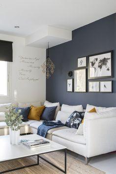 Gloria – Blogit | Pieni talo Helsingissä – Mirkan kaunis koti Gallery Wall, Decor, Wall, Home Decor Decals, Sofa, Furniture, Home Decor