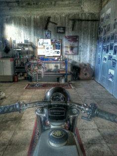 Kreidler_garage_Greece
