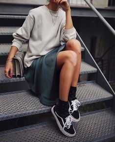 New Looks and Trends. 38 Trendy Fashion Trends That Always Look Fantastic – Modest Fall fashion arrivals. New Looks and Trends. Look Fashion, Street Fashion, Autumn Fashion, Fashion Outfits, Womens Fashion, Fashion Trends, Sneakers Fashion, Fashion Ideas, Dress Fashion