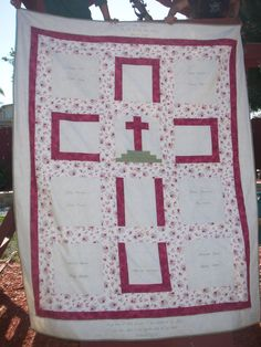 this is beautiful, Calgary in the middle, cross on the outside. Designed a quilt for a Sister from the graduating class of SJC Catholic school. Quilting Projects, Quilting Designs, Sewing Projects, Cross Patterns, Quilt Patterns, Crochet Patterns, Cross Quilt, Quilt Of Valor, Cute Quilts