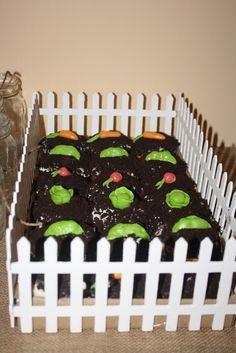 Garden cake at a Peter Rabbit Party #peterrabbit #cake