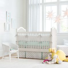 French Gray and Mint Quatrefoil Crib Bedding | Carousel Designs