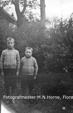 Søskena Lars og Atle Nyttingnes i bryllaupet til Marie Mentzdotter Aarset og Malvin Leknes Horne. Bildet er tatt i tunet på Årset i Vevring. Dei bur i dag på garden Underset, Årskog i Stongfjord. Foreldre til Lars og Atle var Marie Leknes Nyttingnes f. 1906 d. 1996, og Magnus Nyttingnes f.1906 d. ... Couple Photos, Couples, Pictures, Couple Shots, Couple Photography, Couple, Couple Pictures
