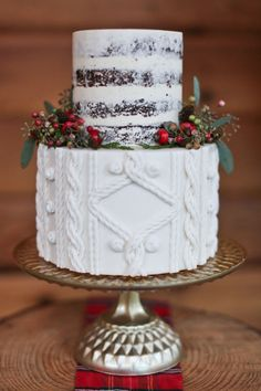 Cable-Knit Cakes Are The Coziest Wedding Trend This Winter