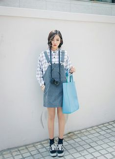 Can never go wrong with denim overalls :D