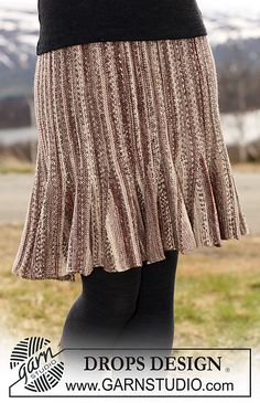 "Ravelry: 115-41 Skirt in ""Fabel"" knitted from side to side with shortened rows pattern by DROPS design"