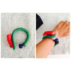 Ghanaian Recycled Beads - Coral Bracelet #coral #green #ghanaianglassbeads #glass #bohemianjewellery #bohochic #handmadejewellery #handmade #elyapımı #colourful #color #okkto
