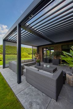 There are lots of pergola designs for you to choose from. You can choose the design based on various factors. First of all you have to decide where you are going to have your pergola and how much shade you want. Modern Patio Design, Modern Pergola, Outdoor Pergola, Backyard Pergola, Pergola Shade, Pergola Plans, Backyard Landscaping, Small Pergola, Cheap Pergola