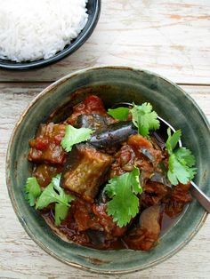 eggplant curry recipe: eggplant, ginger, stewed tomatoes, spices. needs much longer to cook than 15 min. cut up the eggplant small, 1 x 1 inch. also needs more sauce, i added some red sauce + water. was pretty good!