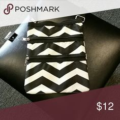 Chevron pattern crossbody bag Black and white chevron pattern bag 3 zippered compartments Bags Crossbody Bags