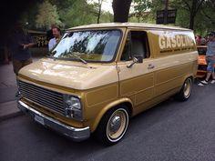 Nice old school Chevy van!