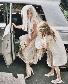 { the wedding of kate moss & jamie hince by mario testino for vogue via habitually chic } Mario Testino, Wedding Bells, Wedding Hair, Dream Wedding, Gatsby Wedding, Post Wedding, Wedding Decor, Vogue Wedding, Wedding Entrance
