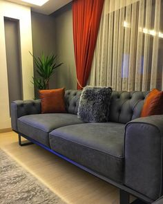 Bu Evin Her Bölümünde Modern Stilin Hakkı Verilmiş - Decoration Living Room Modern, My Living Room, Living Room Designs, Living Spaces, Home Design, Cocina Shabby Chic, Furniture Packages, Tulle Curtains, Grey Walls