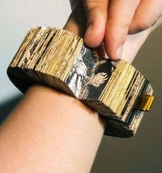 The Rembrandt Book Bracelet by Lyske Gais and Lia Duinker, the winners of the 2015 edition of the Rijksstudio Award. Their design was voted as the best design inspired by the Rijksmuseum's collection.