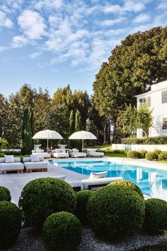 Tour the Beverly Hills home of Vogue's Living's March/April guest editor Kelly Wearstler. pool ideas australia House tour: inside Kelly Wearstler's lavish Beverly Hills home