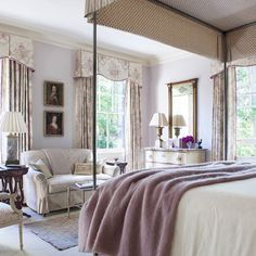 Nothing turns a room into a refuge quite like a canopy bed. | Photo: @maxkimbee, Design: Amelia T. Handegan