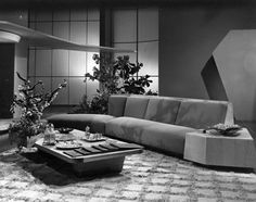 Midcentury Modern at the Movies: 13 Stylish Film Sets - Curb Midcentury Modern, Stranger Things, Tv Set Design, Autumn In New York, Art Deco, Vintage Interiors, Deco Interiors, Modern Interiors, Hollywood