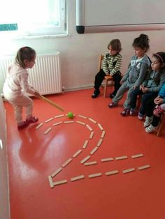 Bild kindererziehung aluno on aluno bild kindererziehung mathe how to set up the science center in your early childhood classroom Gross Motor Activities, Gross Motor Skills, Montessori Activities, Classroom Activities, Learning Activities, Toddler Activities, Preschool Activities, Kids Learning, Physical Activities For Preschoolers