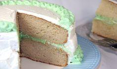 Pistachio Cream Cake - http://www.veganbirthdaycake.org/pistachio-cream-cake/ #vegan #recipes