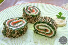 low carb Spinat-Lachs-Rolle – Low carb Rezepte – schlankmitverstand Low Carb Spinat Lachs Roll – Low Carb Rezepte – Slim Mean Low Carb Recipes, Vegetarian Recipes, Salmon Roll, Low Carb Lunch, Evening Meals, Dessert, Finger Foods, Easy Meals, Food And Drink