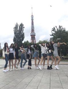 (8) Twitter Ulzzang Korea, Ulzzang Girl, Korean Couple, Korean Girl, Squad Pictures, Girl Friendship, Dancing Baby, Japanese Girl Group, Best Friend Goals