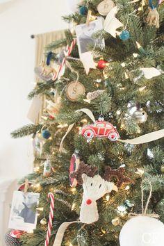 Gaaf idee: personalize je kerstboom met polaroid foto's - Roomed | roomed.nl