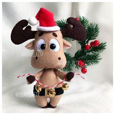 Handmade Christmas Decorations, Felt Christmas Ornaments, Xmas Decorations, Christmas Crafts, Christmas Makes, Winter Christmas, Christmas Time, Felt Giraffe, Christmas Sewing