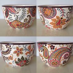 Pottery Painting, Ceramic Painting, Pottery Vase, Fabric Painting, Ceramic Pottery, Ceramic Art, Crackpot Café, China Clay, Madhubani Art