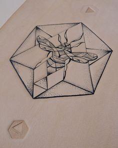 Geometric Hexagon Bee