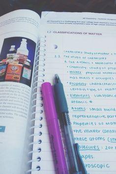 Can my handwriting look like this puhlease😍 College Hacks, School Hacks, College Life, School Tips, Planning School, School Notes, College Notes, College Survival, College Organization
