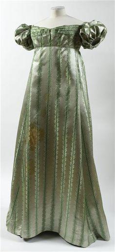 Evening dress worn by the Countess of Palfi, date missing (1810's?), Châteaux de Malmaison et Bois-Préau Malmaison