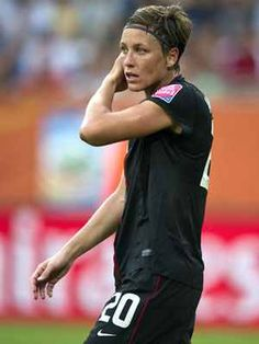 Abby Wambach-- the greatest female soccer player in the world. And more international goals scored than the great Mia Hamm. Us Soccer, Morgan Soccer, Soccer Stars, Soccer Players, Nike Soccer, Soccer Cleats, Abby Wambach, Lgbt, Sports