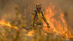 CIMEDIA TV: Firefighter dies in battle against California wild...