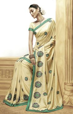 Saree, Indian traditional dress - Visit http://asiaexpatguides.com to make the most of your experience in India!