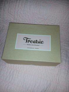 Oooooo treatsie August box