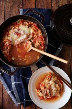 冬に食べたくなるのは、体が温まり栄養満点なお鍋料理です。あっさり派もこってり派も大満足なレシピを紹介します。美味しいお鍋で元気な体を作りましょう。