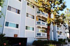 Beautiful condo for sale in Hermosa Beach, CA! 2+2 listed for 598K Call Broker/Realtor Wolf Parlar for details at 310.409.3649