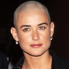 #demi #moore #bald #careca #beautiful #linda #mulher #cancer #câncer #quimio #chemo