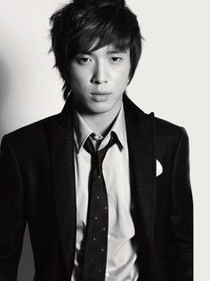 Jung Yong Hwa. Why is this man so gorgeous????