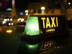 Fiz uma viagem de Lisboa a Sintra em 15 min durante a noite com veículos na via com um condutor que atingia a velocidade de 170 km/h e que o seu normal era 100km/h