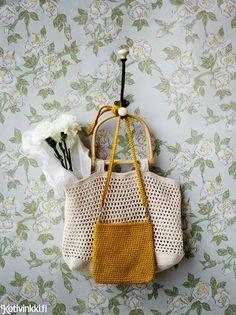 Kevyt ja kaunis virkattu kassi syntyy kätevästi yhdestä lankakerästä. Tee kassi joko ostoksia varten tai virkattu laukku olalle.