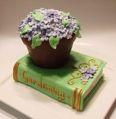 flower pot on gardening book mini cakes design with coordinating cupcakes for client Fancy Cakes, Cute Cakes, Pretty Cakes, Mini Cakes, Beautiful Cakes, Amazing Cakes, Crazy Cakes, Sweet Cakes, Cake Truffles